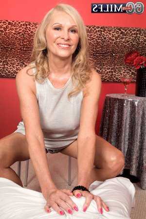 Alhya escortgirl mature à Mably, 42